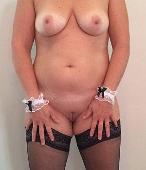 Femme ronde du 92 en lingerie sexy