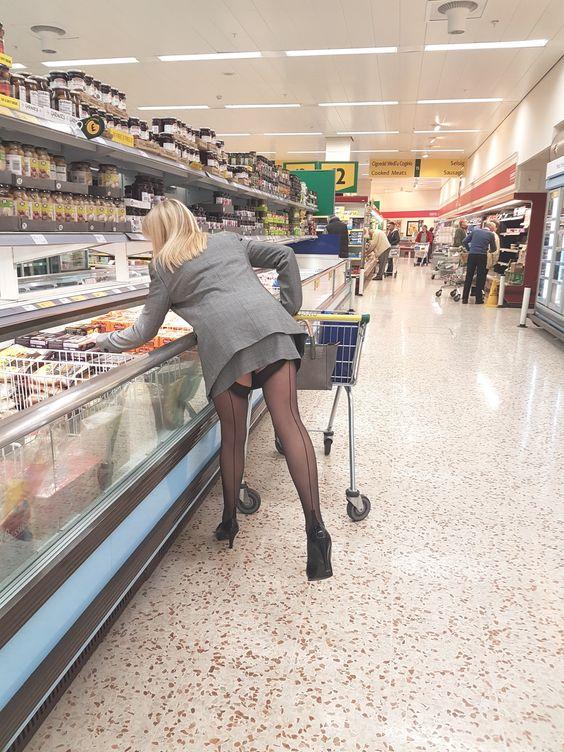Lingerie sexy au supermarché
